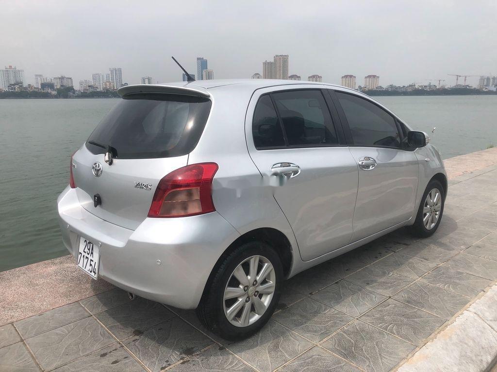 Cần bán xe Toyota Yaris năm 2009, màu bạc (3)