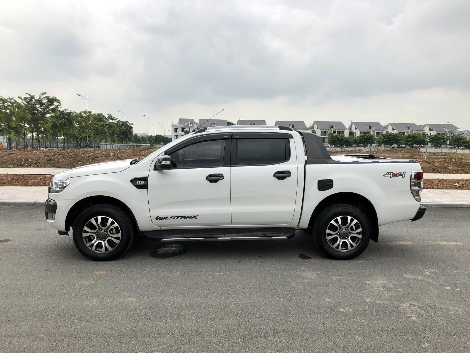 Bán  xe Ford Ranger Wildtrak 3.2 Sync 3 tên tư nhân, biển Hà Nội (5)