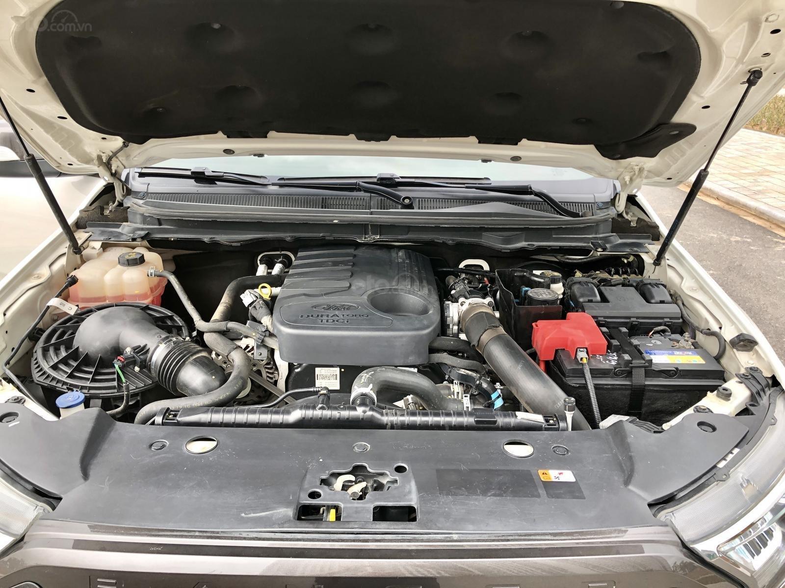 Bán  xe Ford Ranger Wildtrak 3.2 Sync 3 tên tư nhân, biển Hà Nội (13)