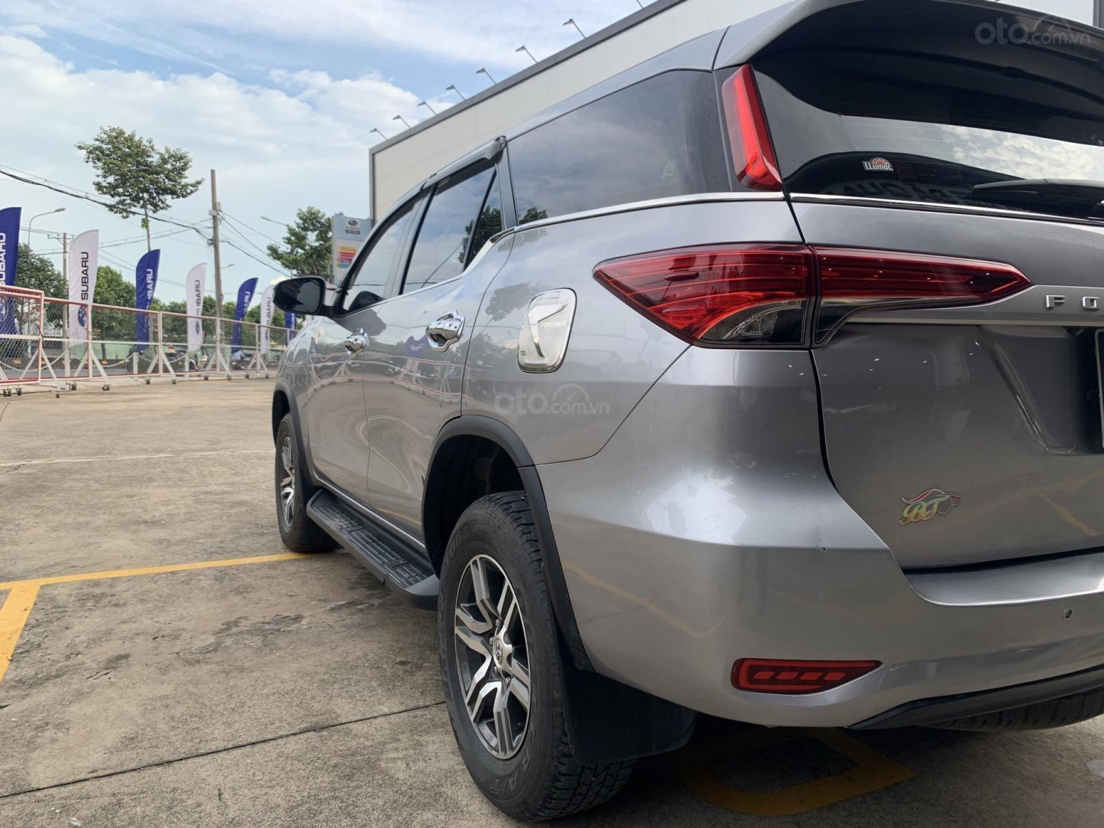 Cần bán Toyota Fortuner 2018, giá tốt hơn giá niêm yết (2)