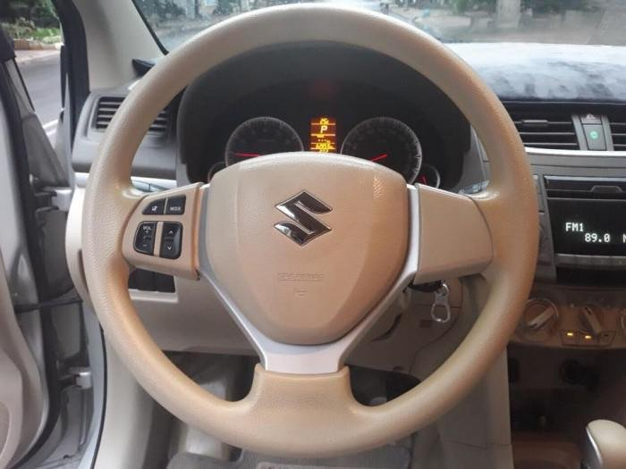 Bán Suzuki Ertiga 2016, màu bạc  (8)