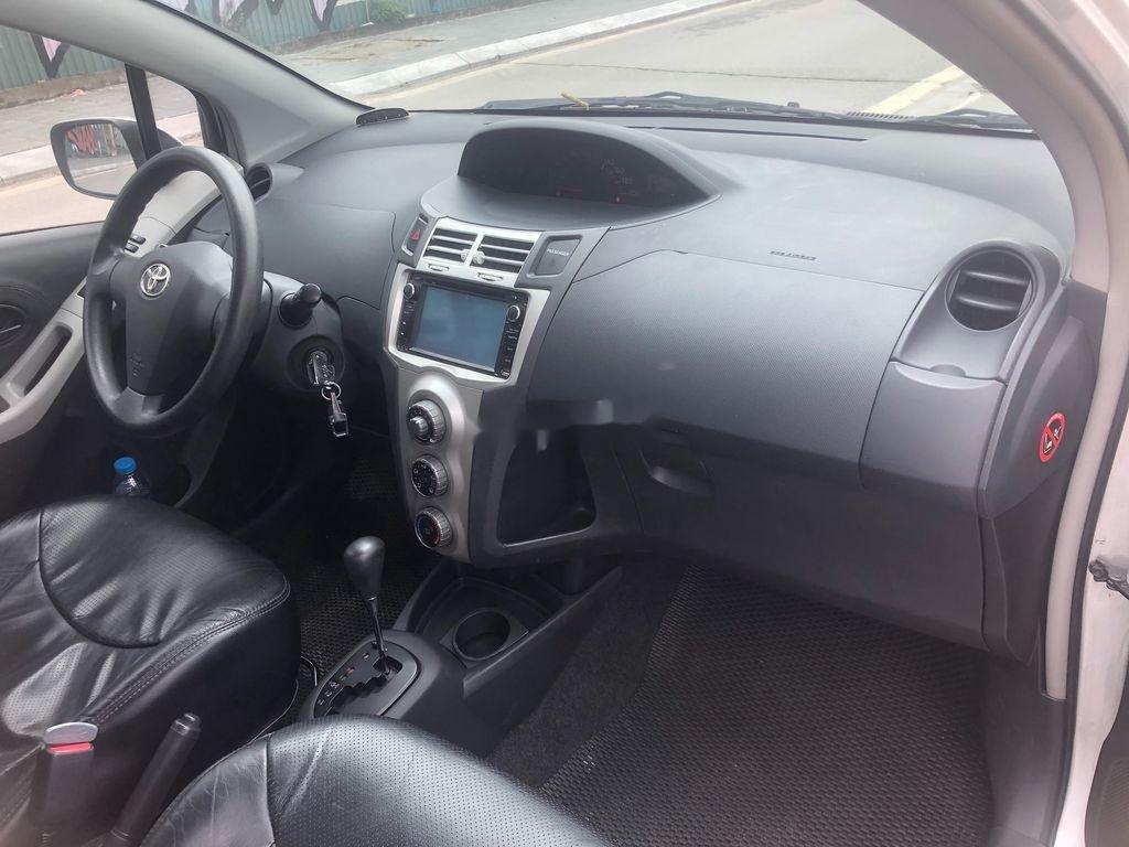 Cần bán xe Toyota Yaris năm 2009, màu bạc (7)