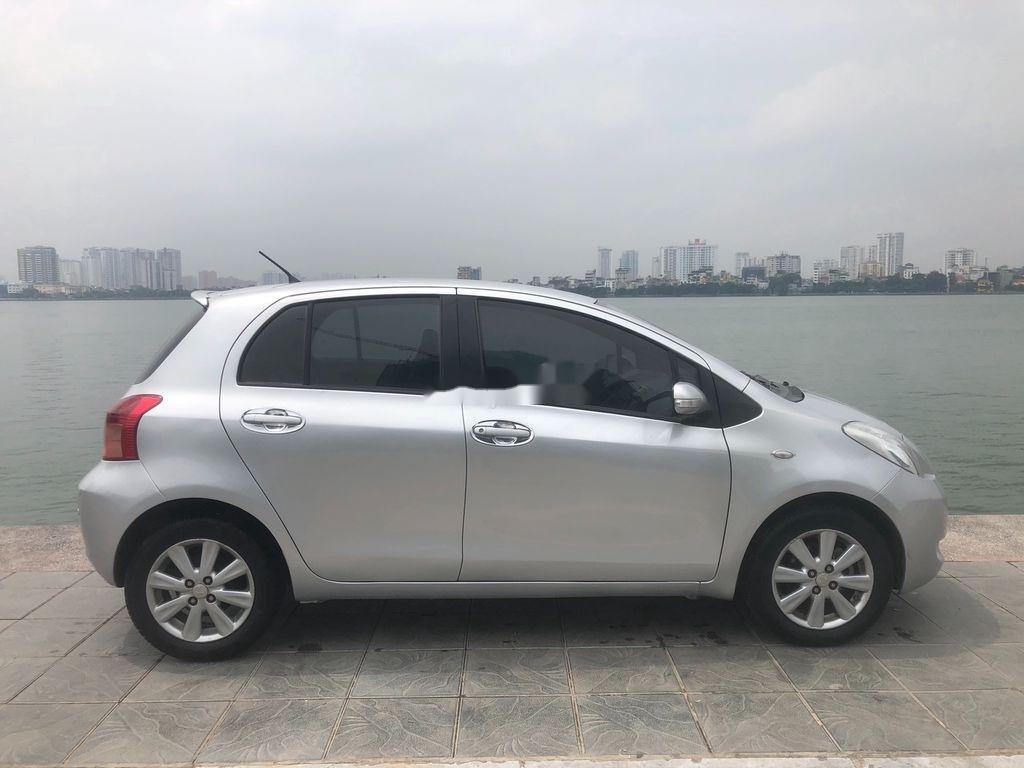 Cần bán xe Toyota Yaris năm 2009, màu bạc (6)