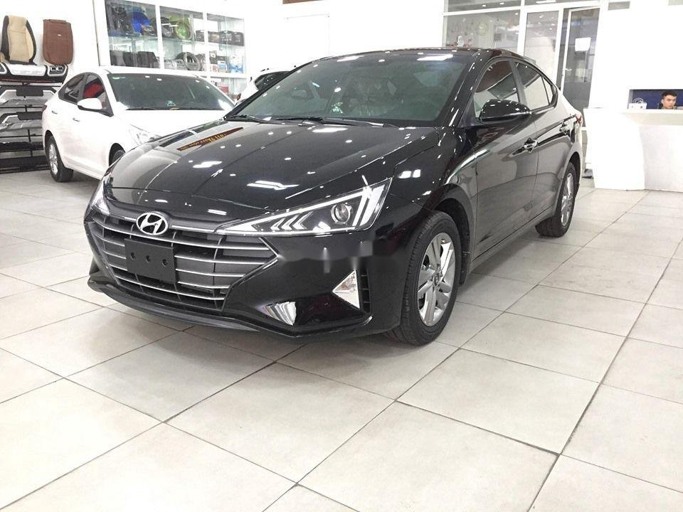 Cần bán Hyundai Elantra đời 2020, màu đen, giá tốt (3)