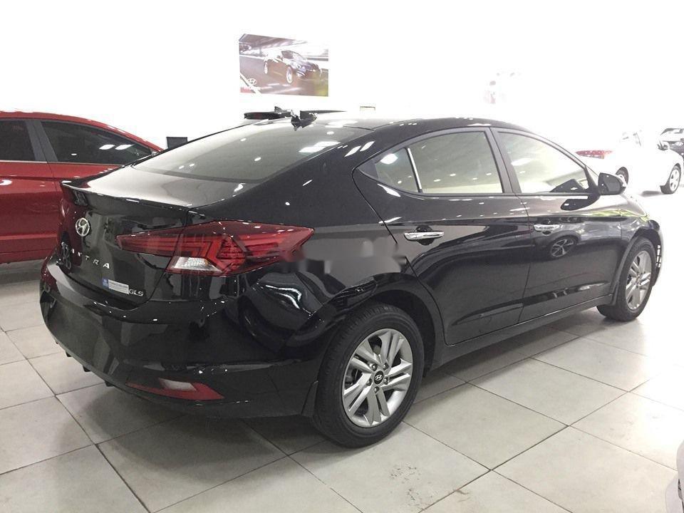 Cần bán Hyundai Elantra đời 2020, màu đen, giá tốt (4)