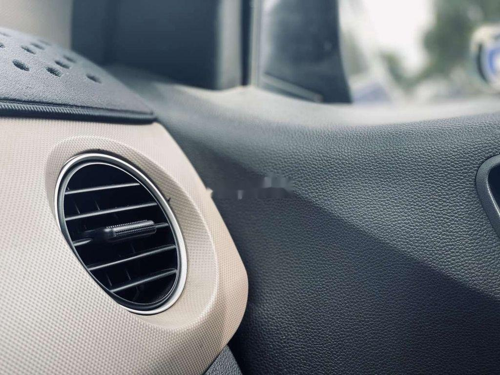 Cần bán gấp Hyundai Accent sản xuất 2019, số sàn (1)