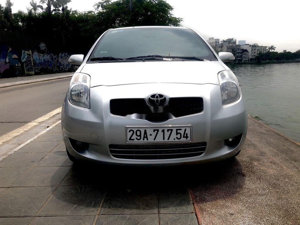 Cần bán xe Toyota Yaris năm 2009, màu bạc (1)