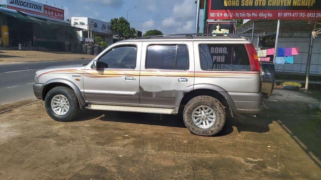 Bán xe Ford Everest 2005, màu xám, số sàn, máy dầu (3)