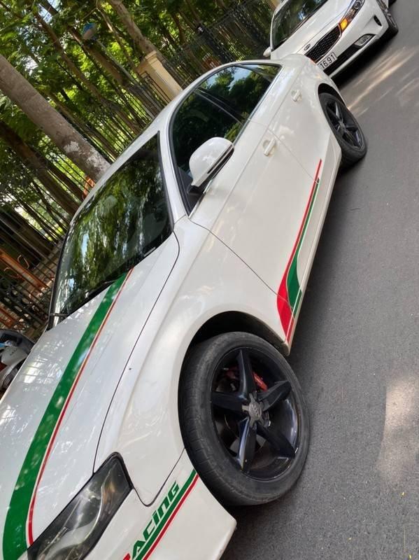 Bán xe Audi A4 sản xuất năm 2009, màu trắng, xe nhập chính chủ, giá tốt (9)