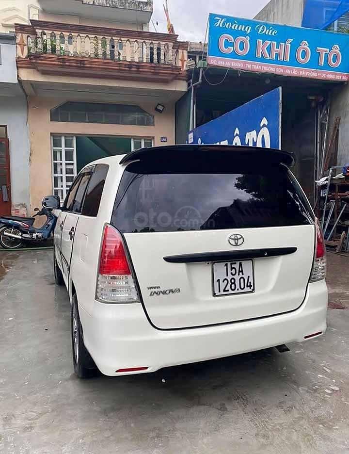 Bán Toyota Innova sản xuất năm 2011, hai màu còn mới, giá 214tr (2)