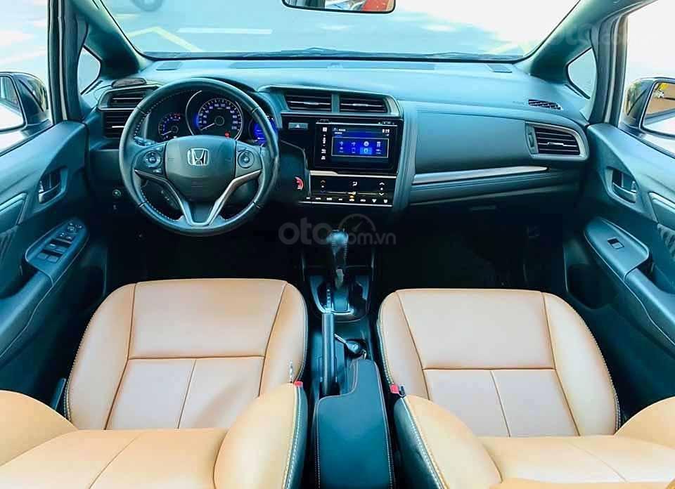 Cần bán gấp Honda Jazz RS AT 2018, màu trắng, nhập khẩu nguyên chiếc còn mới, giá 540tr (2)