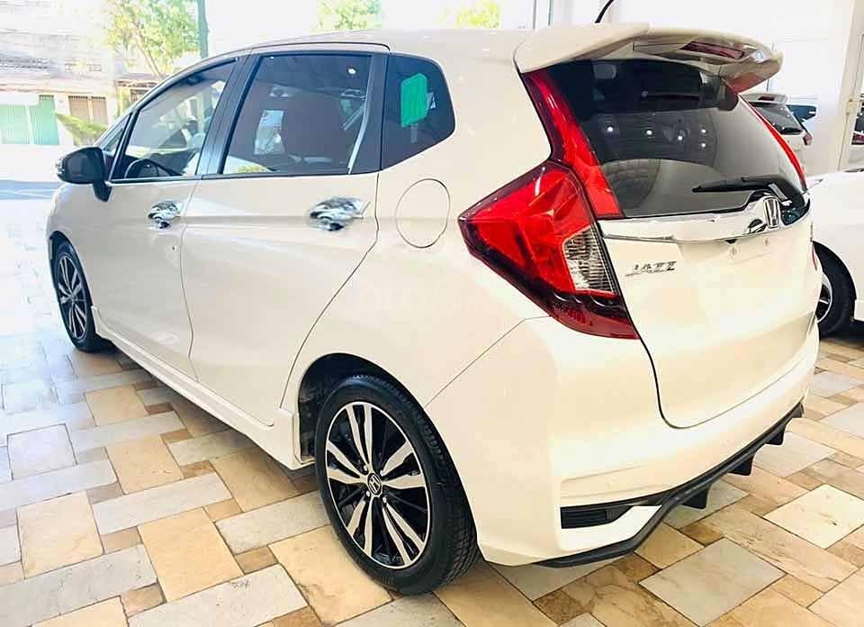 Cần bán gấp Honda Jazz RS AT 2018, màu trắng, nhập khẩu nguyên chiếc còn mới, giá 540tr (3)