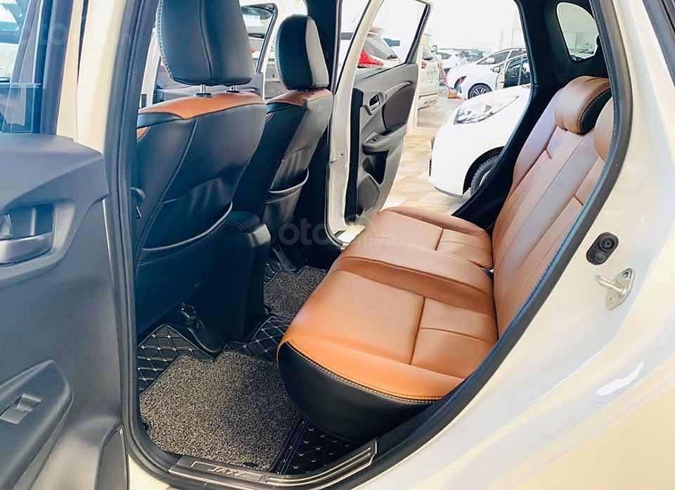 Cần bán gấp Honda Jazz RS AT 2018, màu trắng, nhập khẩu nguyên chiếc còn mới, giá 540tr (4)