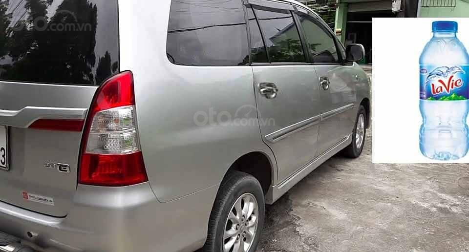 Cần bán lại xe Toyota Innova sản xuất năm 2014, màu bạc xe gia đình, giá chỉ 390 triệu (5)