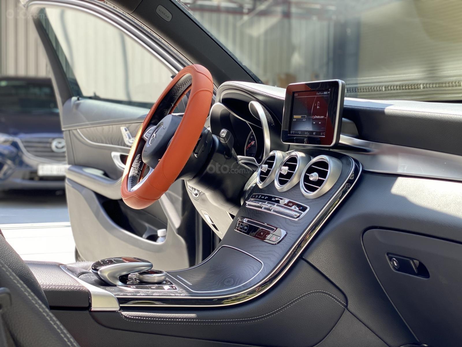 Cần bán Mercedes Benz GLC 300AMG bản cao cấp nhất dòng GLC (12)