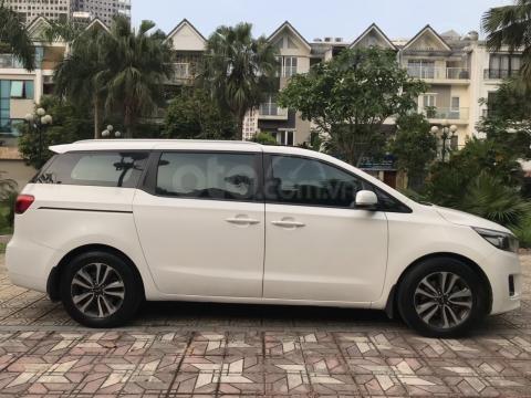 Bán Kia Sedona 2.2 L DAT sản xuất năm 2017, màu trắng, giá tốt (14)