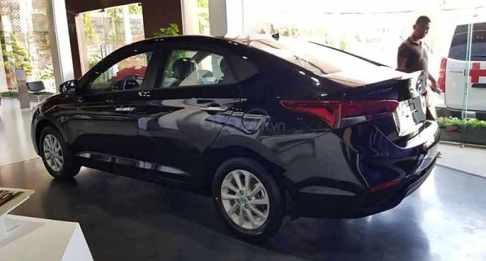 Bán xe Hyundai Accent sản xuất năm 2020, màu đen giá cạnh tranh (4)