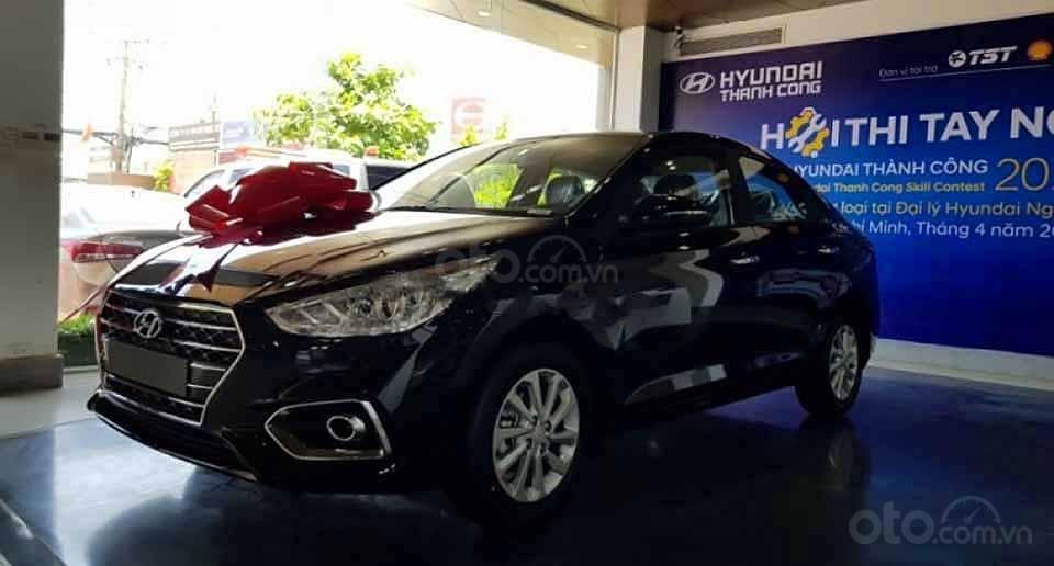 Bán xe Hyundai Accent sản xuất năm 2020, màu đen giá cạnh tranh (1)