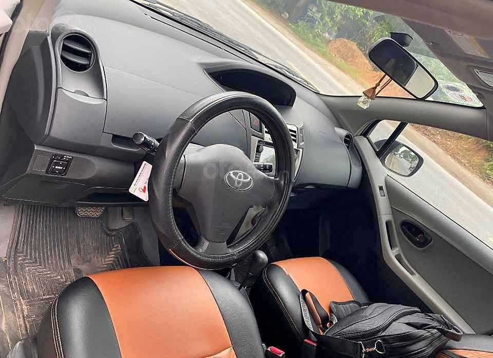 Bán ô tô Toyota Yaris năm 2008, màu bạc, nhập khẩu nguyên chiếc còn mới, 280 triệu (4)