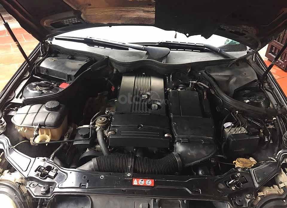 Bán Mercedes C180 Kompressor sản xuất 2004, màu đen, nhập khẩu nguyên chiếc (4)