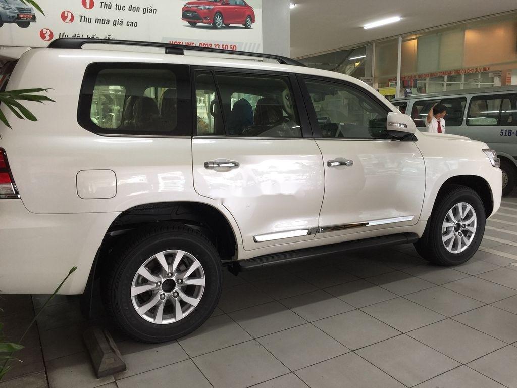 Bán xe Toyota Land Cruiser đời 2020, màu trắng, giao xe nhanh (4)