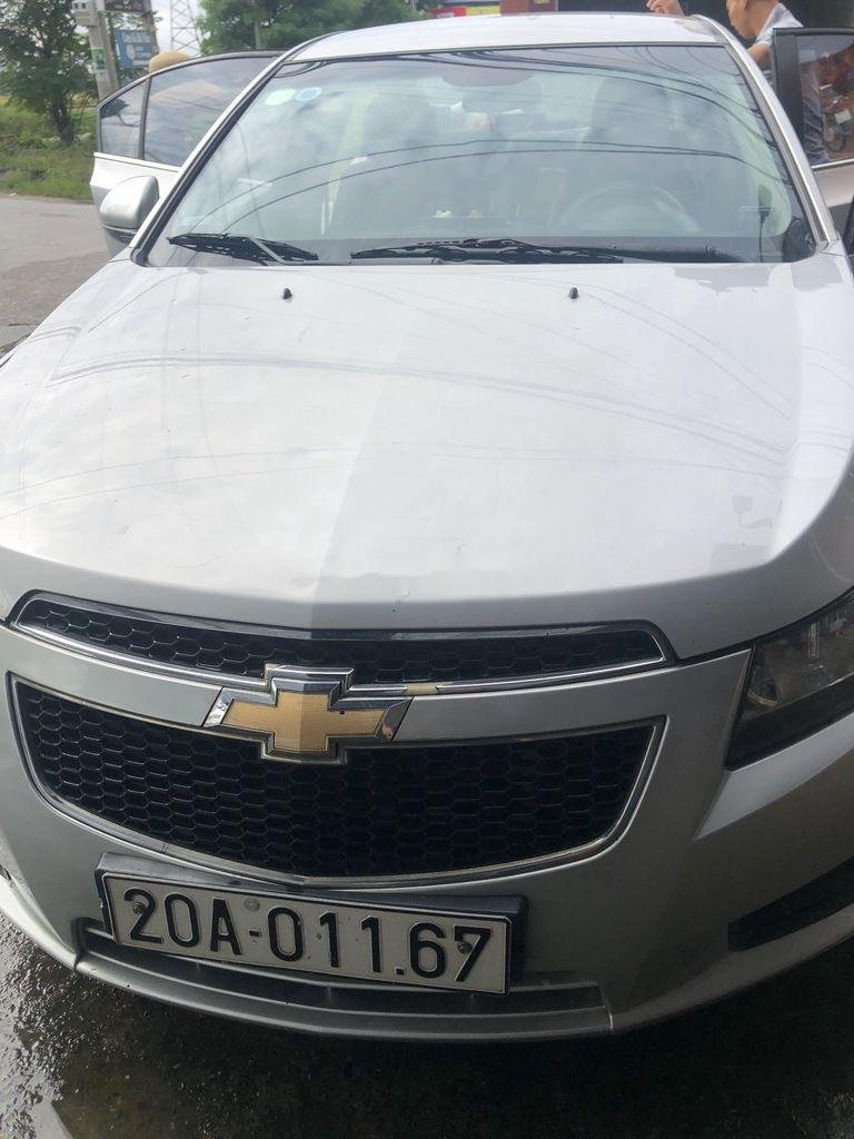 Bán ô tô Chevrolet Cruze sản xuất 2011, màu bạc  (1)