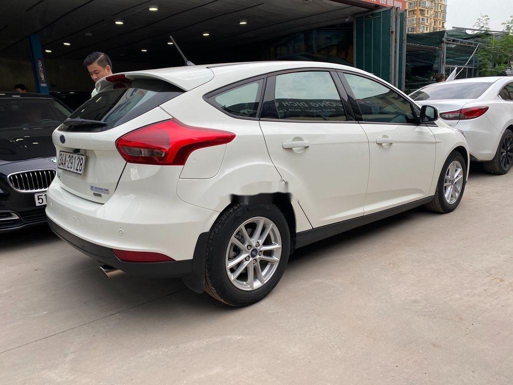 Bán xe Ford Focus đời 2019, màu trắng, giá tốt (2)
