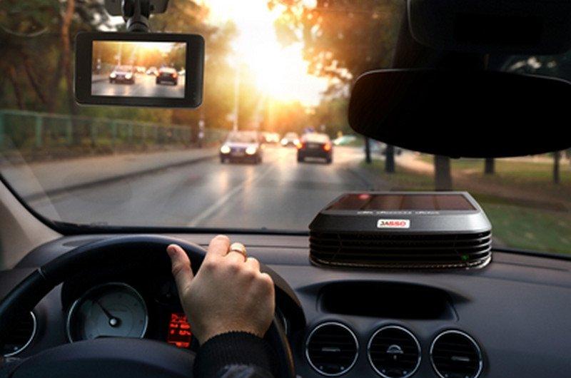 Camera hành trình ô tô.