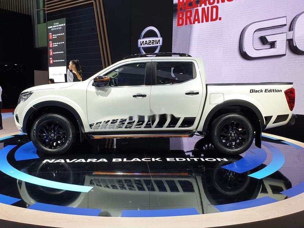 Bán xe Nissan Navara năm sản xuất 2019, màu trắng, nhập khẩu nguyên chiếc (3)