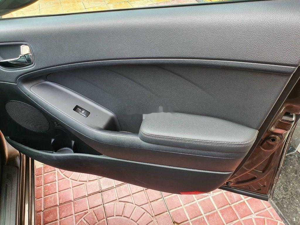 Bán Kia K3 năm sản xuất 2015, màu nâu, xe cũ chính hãng (9)