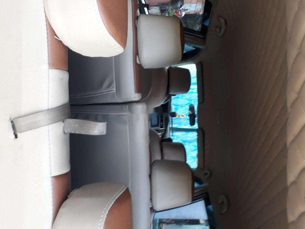 Gia đình bán Nissan Livina sản xuất 2011, màu bạc, xe nhập (5)