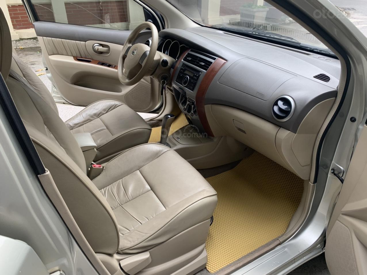 Bán Nissan Grand Livina năm 2011, số tự động 7 chỗ, chính chủ dùng (6)