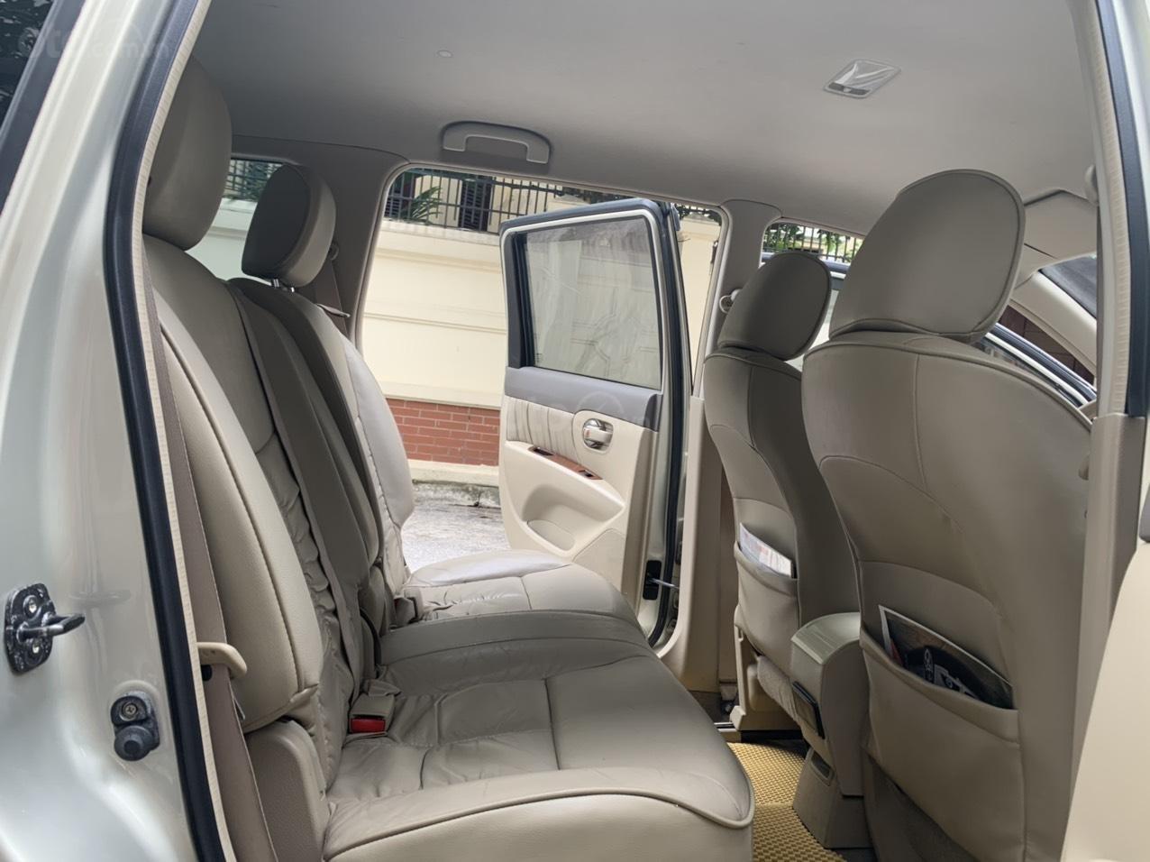 Bán Nissan Grand Livina năm 2011, số tự động 7 chỗ, chính chủ dùng (5)