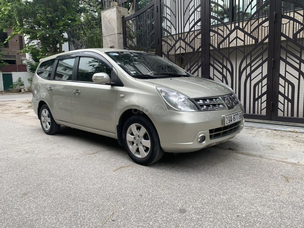 Bán Nissan Grand Livina năm 2011, số tự động 7 chỗ, chính chủ dùng (3)
