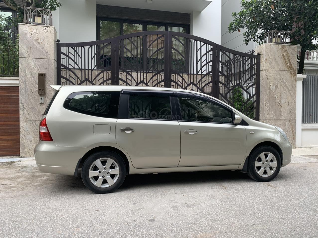 Bán Nissan Grand Livina năm 2011, số tự động 7 chỗ, chính chủ dùng (10)
