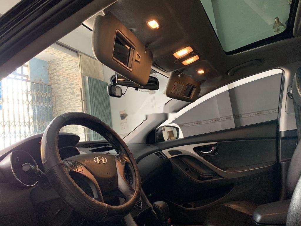 Cần bán gấp Hyundai Elantra sản xuất 2013, nhập khẩu nguyên chiếc còn mới (12)