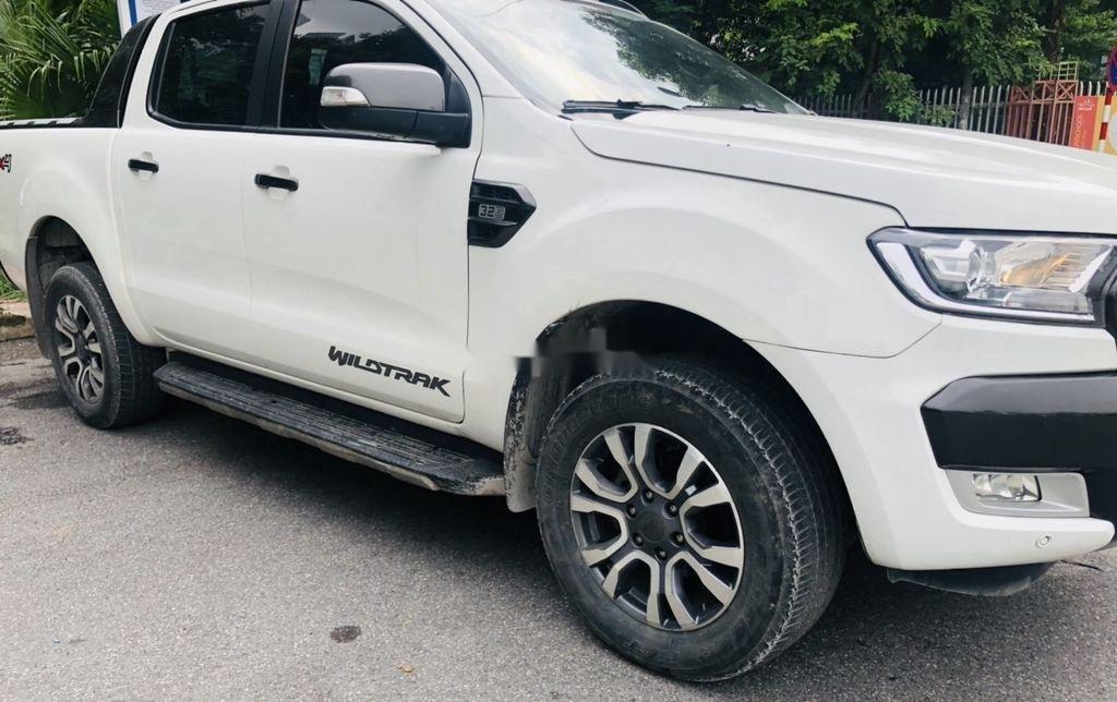 Cần bán Ford Ranger đời 2017, màu trắng, xe nhập (8)