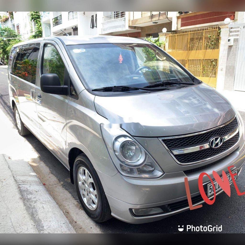 Bán Hyundai Starex sản xuất 2012, màu xám, xe nhập chính chủ (2)