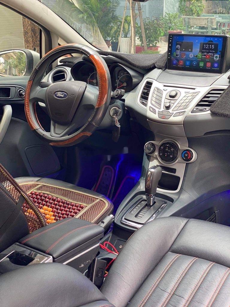 Cần bán lại xe Ford Fiesta 1.6 AT năm sản xuất 2011, màu bạc (7)