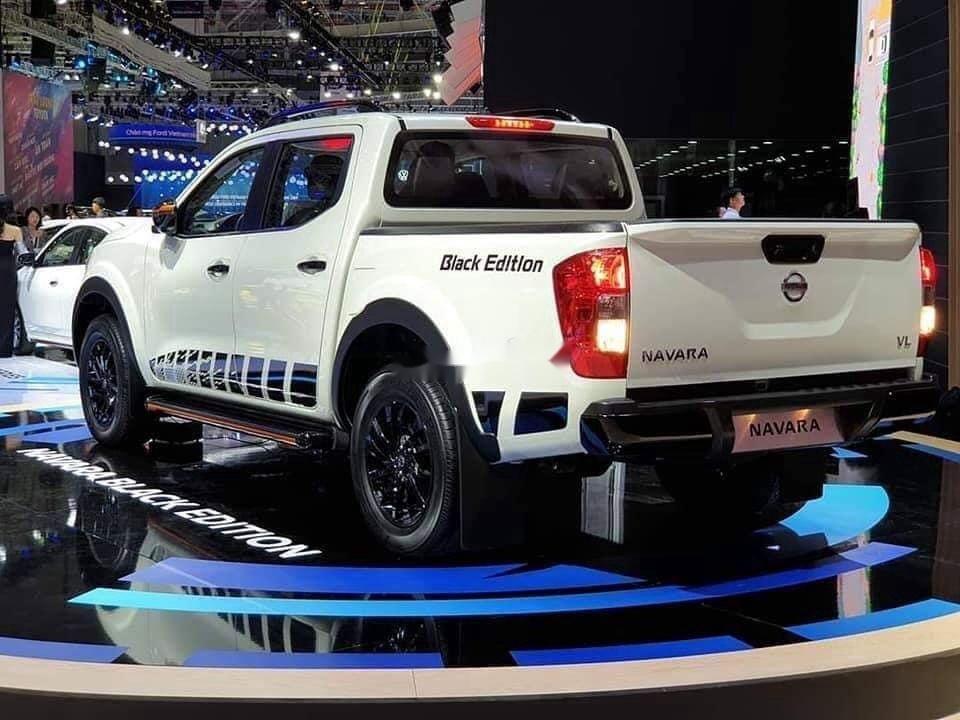 Bán xe Nissan Navara năm sản xuất 2019, màu trắng, nhập khẩu nguyên chiếc (2)