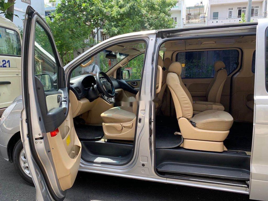 Bán Hyundai Starex sản xuất 2012, màu xám, xe nhập chính chủ (5)