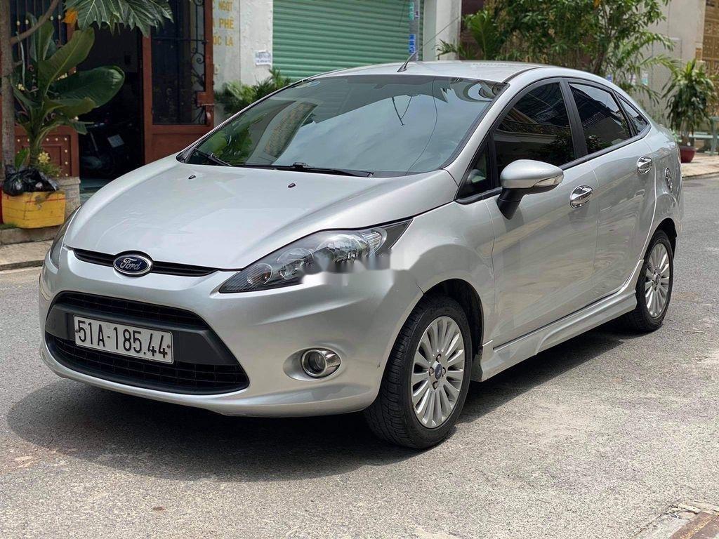 Cần bán lại xe Ford Fiesta 1.6 AT năm sản xuất 2011, màu bạc (4)