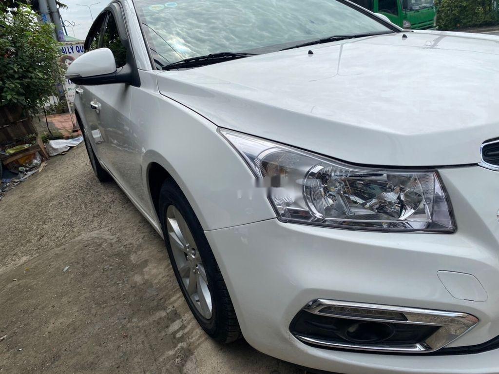 Bán ô tô Chevrolet Cruze 2015, màu trắng, số sàn (4)