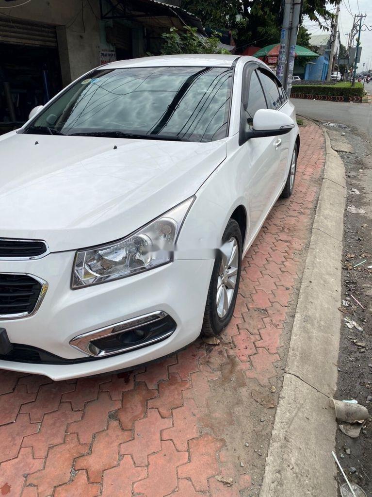 Bán ô tô Chevrolet Cruze 2015, màu trắng, số sàn (3)