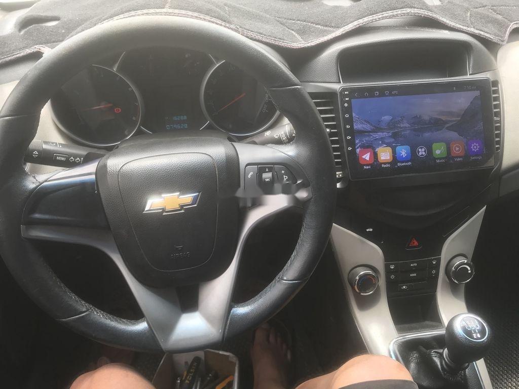 Bán ô tô Chevrolet Cruze 2015, màu trắng, số sàn (2)