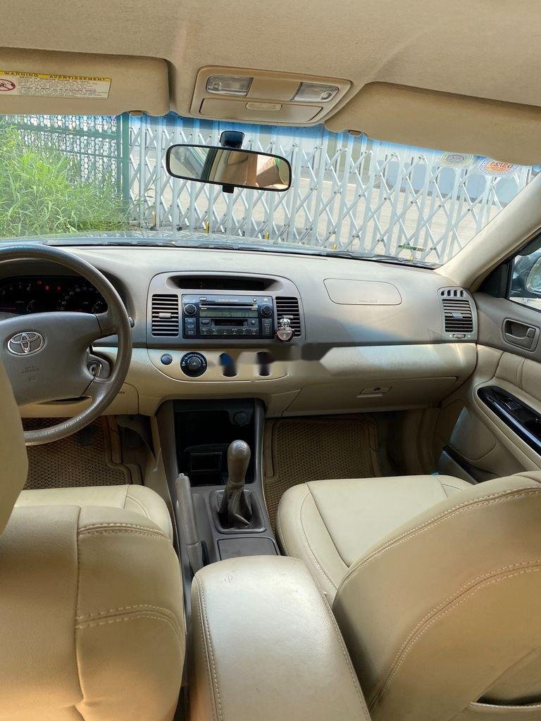 Bán ô tô Toyota Camry năm 2002, giá chỉ 258 triệu (6)