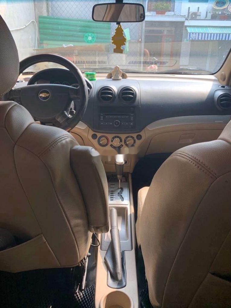 Xe Chevrolet Aveo sản xuất 2016 còn mới (4)