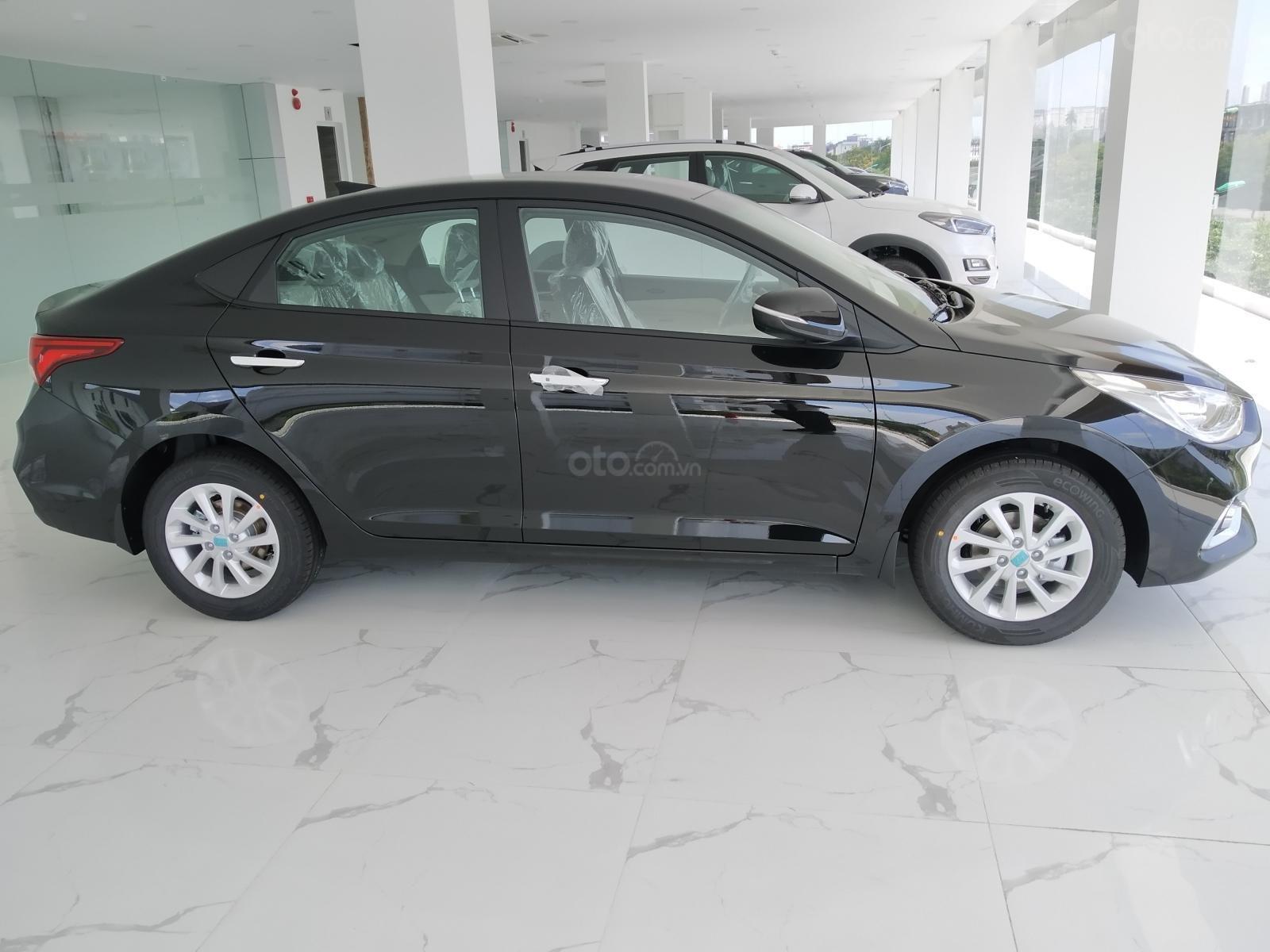 Hyundai Accent AT đầy đủ màu sắc giao ngay. Gía ưu đãi cực thấp T9 kèm theo nhiều ưu đãi và phụ kiện hấp dẫn (3)