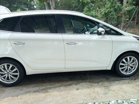 Cần bán lại xe Kia Rondo đời 2016, màu trắng, nhập khẩu nguyên chiếc (7)