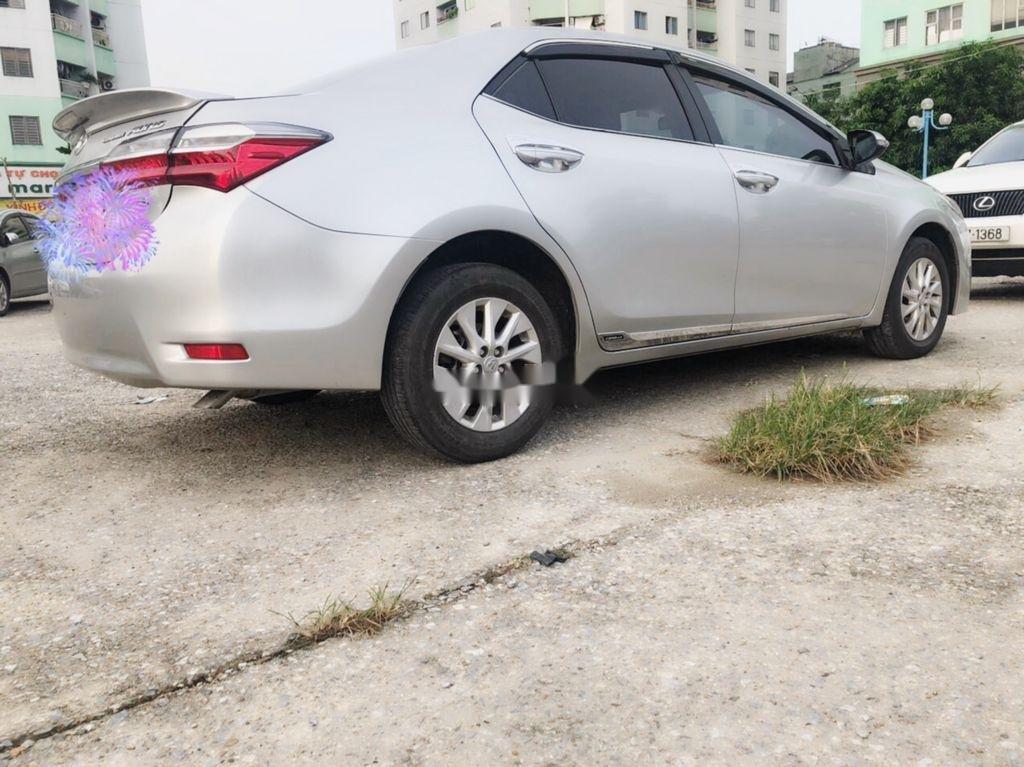 Bán Toyota Corolla Altis sản xuất năm 2017, màu bạc  (7)